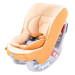 Combi Coccoro Lightweight Convertible Car Seat Review